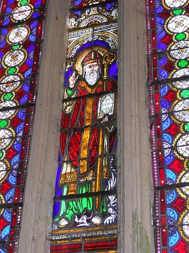 La Chapelle Nord et le vitrail du choeur