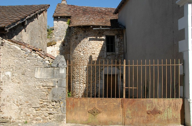 La Rue du Vieux Chêne