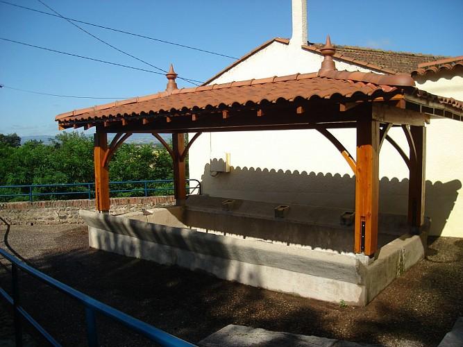 lavoir et fontaine de la Chana