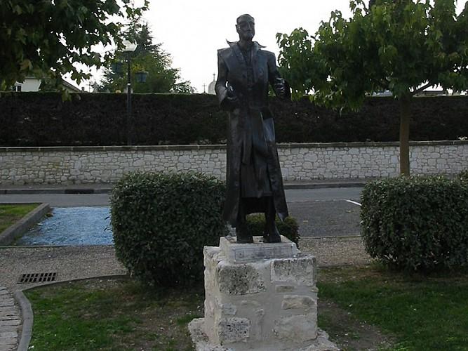 Statue du Moine Soldat