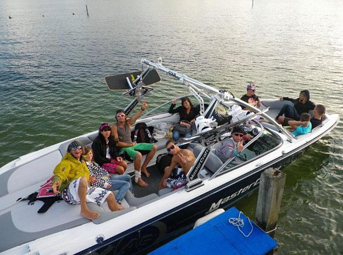 1h de location de bateau wake & ski
