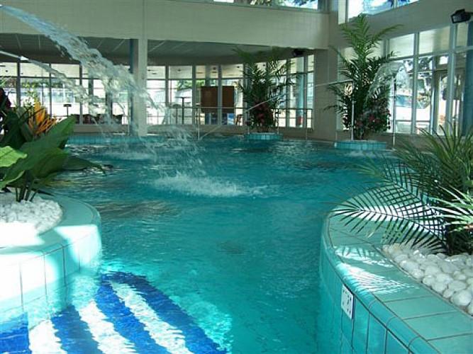 Centre aquatique bassin ludique