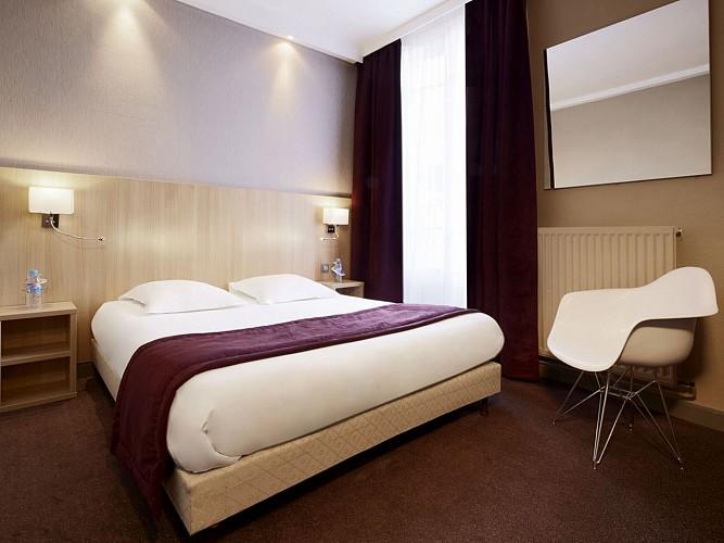 Hôtel Kyriad Reims & Spa Centre