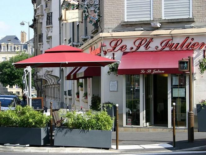 Le Saint-Julien - Terrasse