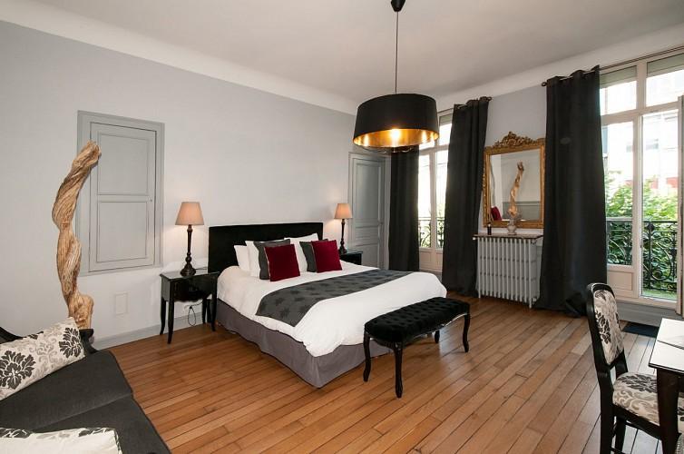 """Suite """"Royale"""" Maison d'hôtes La Demeure des Sacres Reims"""