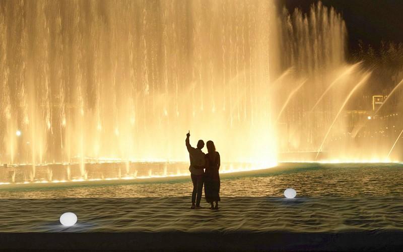Burj Khalifa + Dubai Fountain Boardwalk