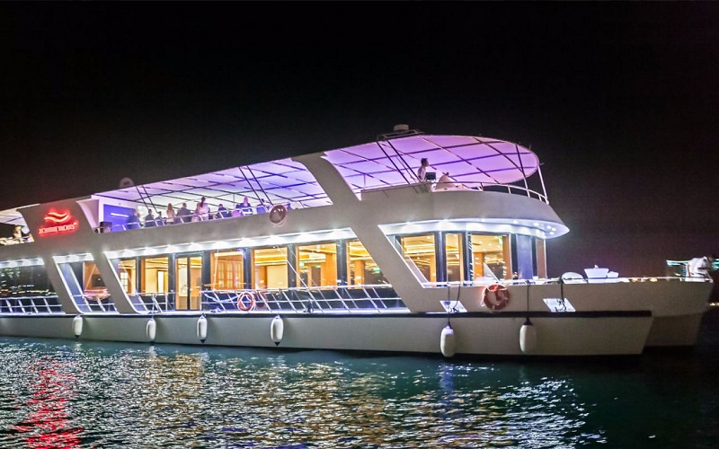 Luxury Dinner Cruise with 5-Star Hotel Buffet Spread