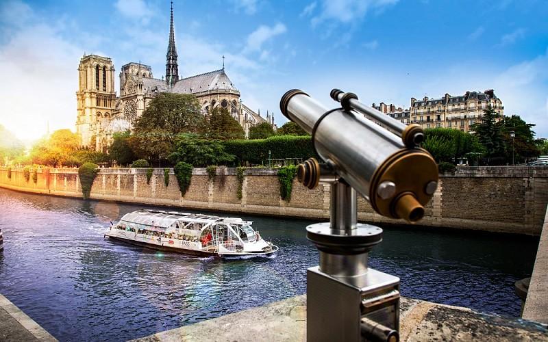 Batobus Paris Hop-On-Hop-Off River Cruise