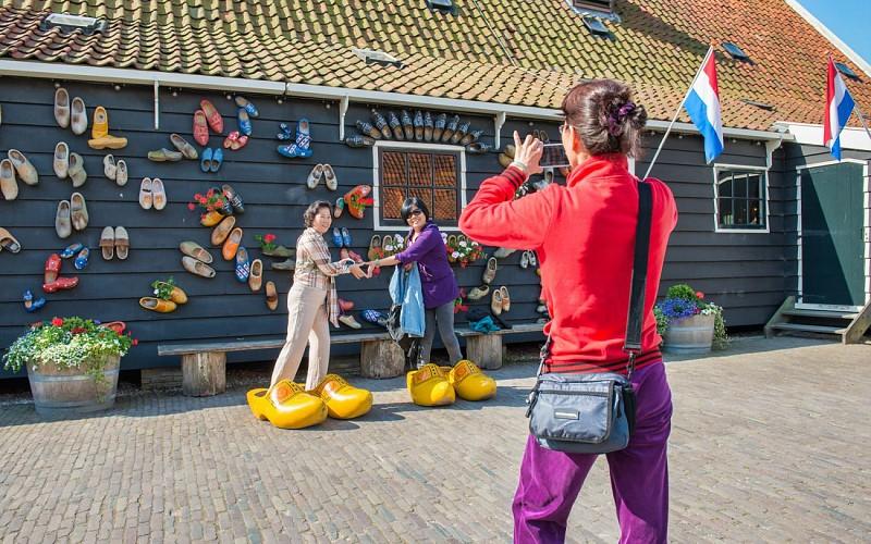 Volendam, Edam, and Windmills Tour