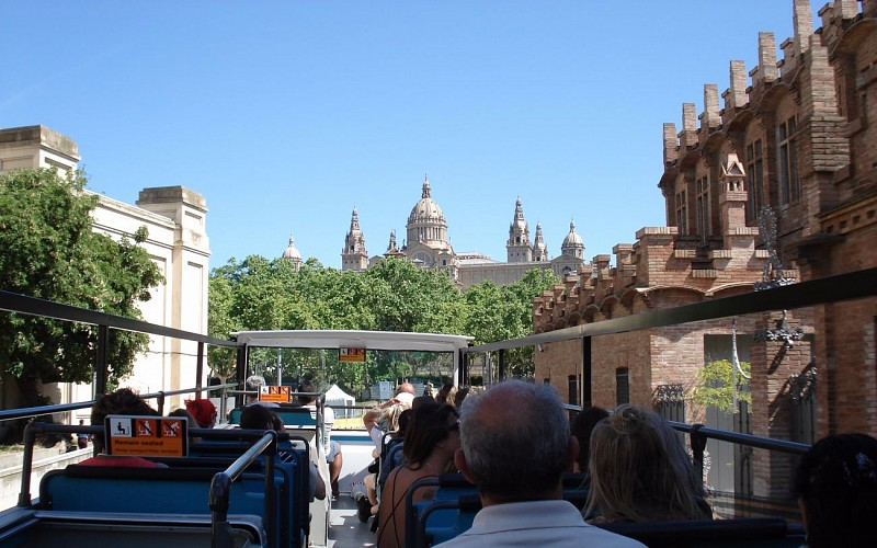 Barcelona Bus Turistic: 1 or 2 Day Hop-On-Hop-Off Tour