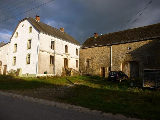Grande ferme ancienne au 30 rue Saint-Martin