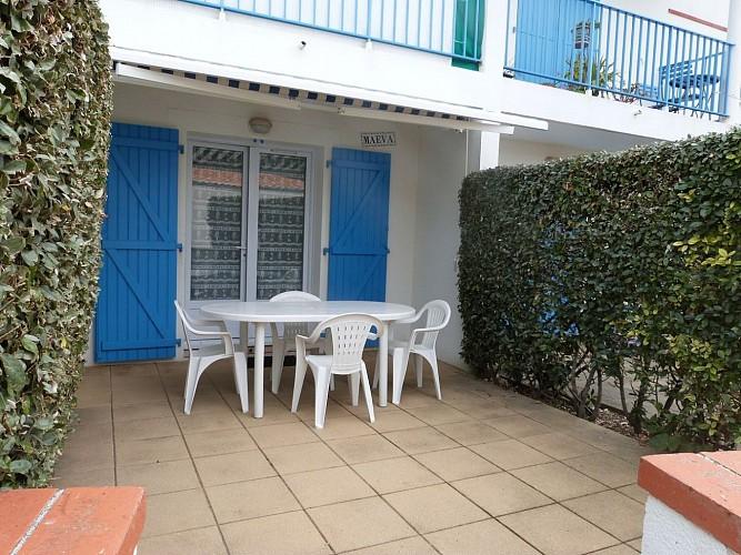 Appartement au rez de chaussée d'une résidence à 100 m de la mer
