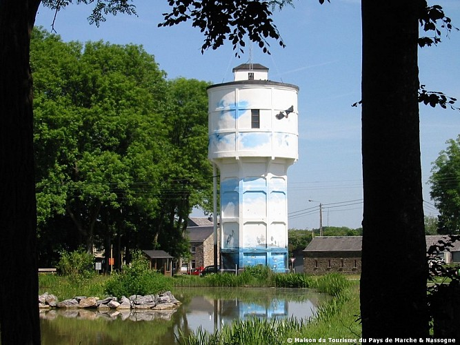 Nassogne - Château d'eau et étang