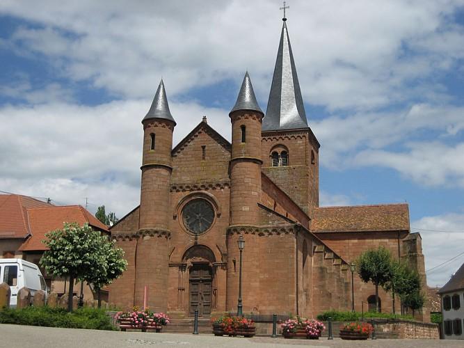 Ancienne collégiale Saint - Adelphe - Portail central de la chapelle du couvent des franciscains