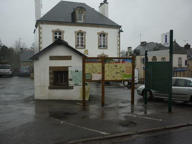 Départ à Péaule : Place de La Poste