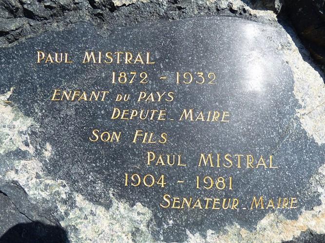 Plaque commémorative de M. MISTRAL