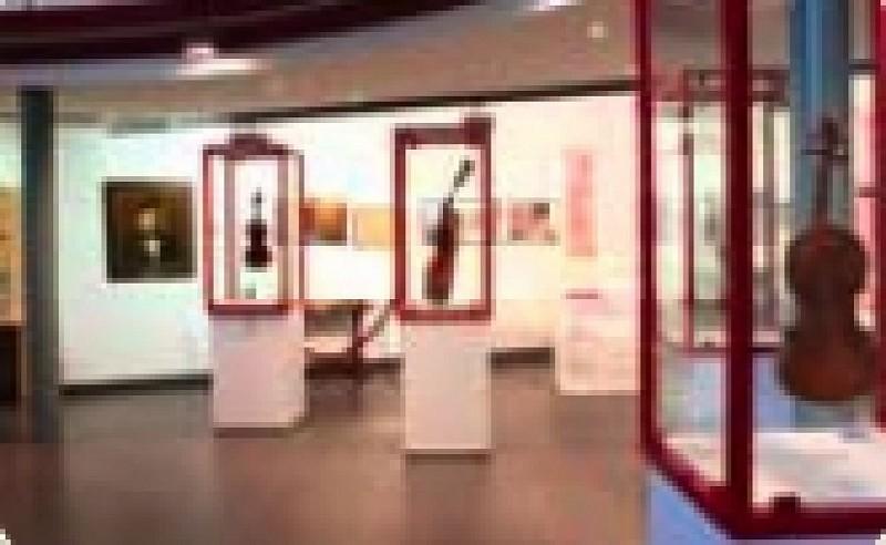 Mirecourt - Musée de la lutherie et de l'Archèterie française