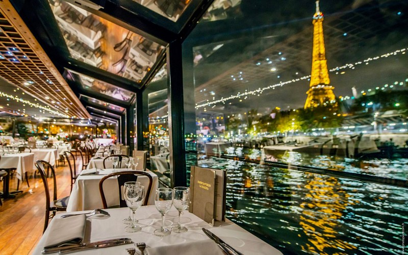 Late Evening Romantic La Marina Dinner Cruise With Champagne