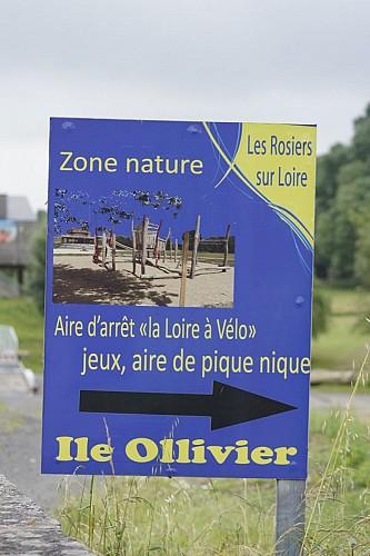 AIRE D'ARRÊT VÉLO DES ROSIERS-SUR-LOIRE
