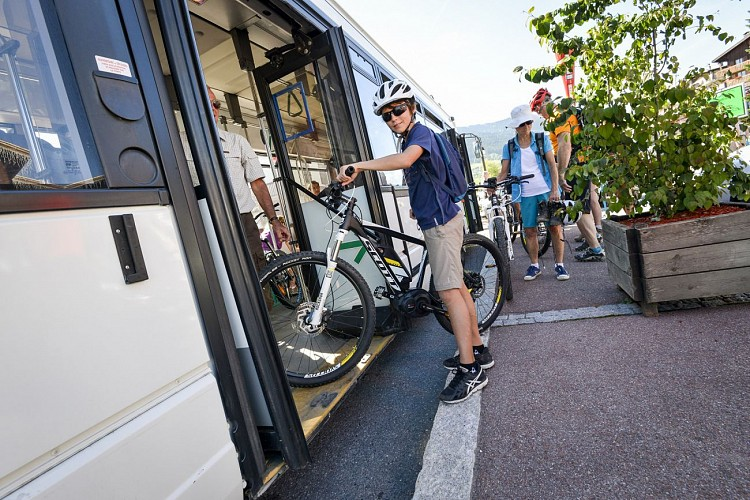 Summer shuttle (for walkers and mountain bikers)