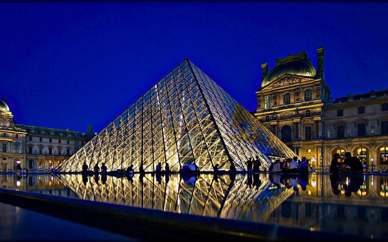 Moulin Rouge Show With Champagne & Paris City Tour
