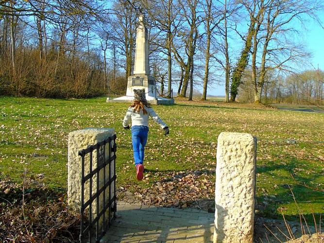 Monument du Raid de 1914 de la 5e division de cavalerie française à Parcy-et-Tigny