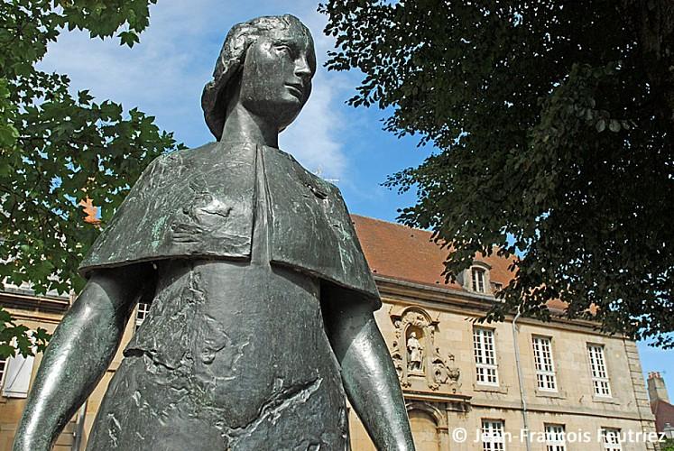 Statue de Jeanne Mance, cofondatrice de Montréal