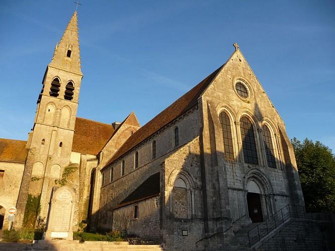 Abbaye-facade-ferrieres-Mairie