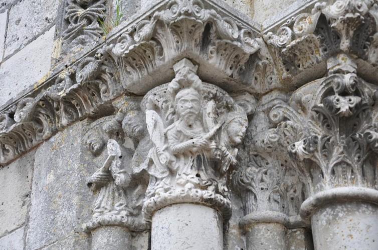eglise st pierre st paul details chapiteau des musiciens