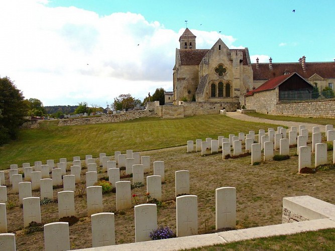 Carré militaire britannique d'Oulchy-le-Château