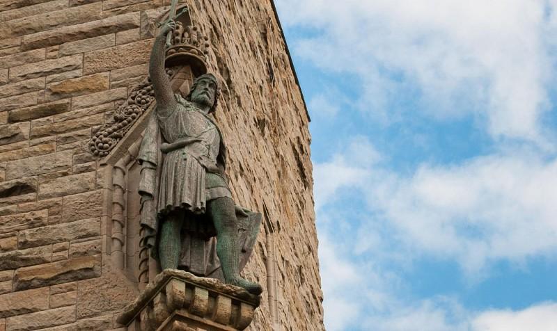 Excursion d'une journée à la découverte des lacs et châteaux d'Ecosse: Doune & Inveraray – au départ d'Edimbourg