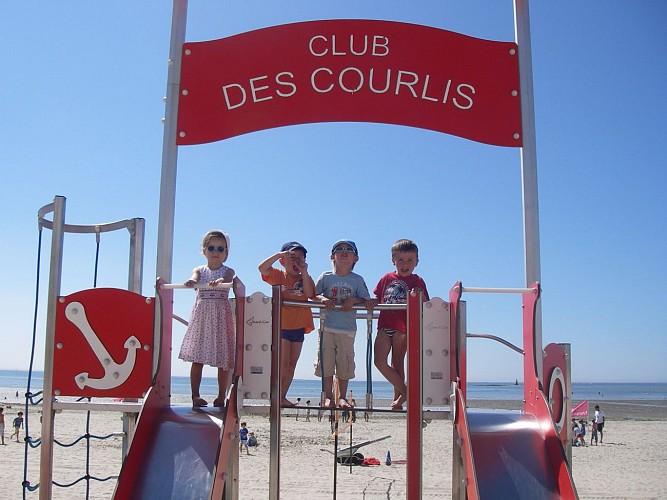 CLUB DE PLAGE ET ÉCOLE DE VOILE LES COURLIS
