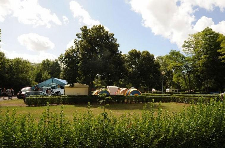 champagne 52 chaumont camping parc sainte marie 1.