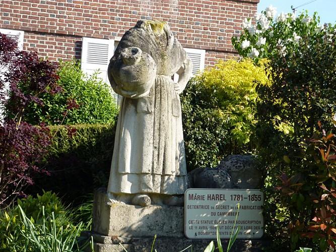 Statue de Marie Harel 2