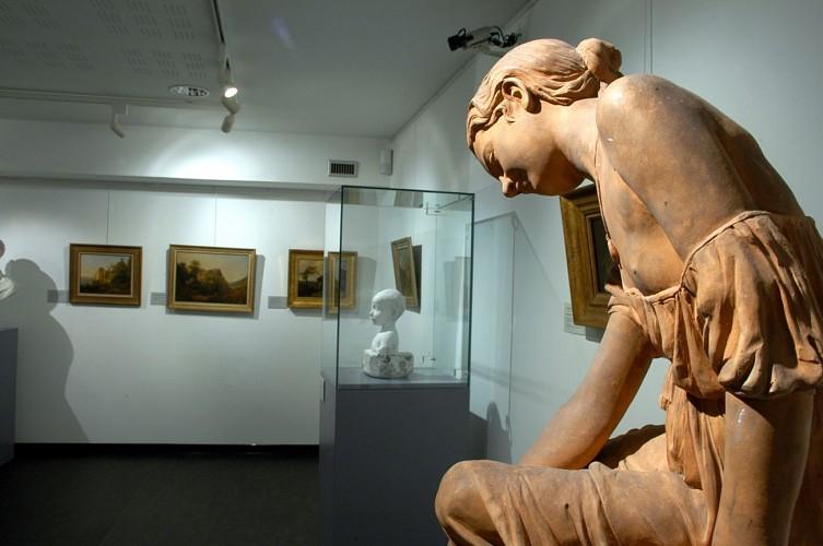 Musée d'Art et d'Histoire Romain Rolland, salle XIXe siècle