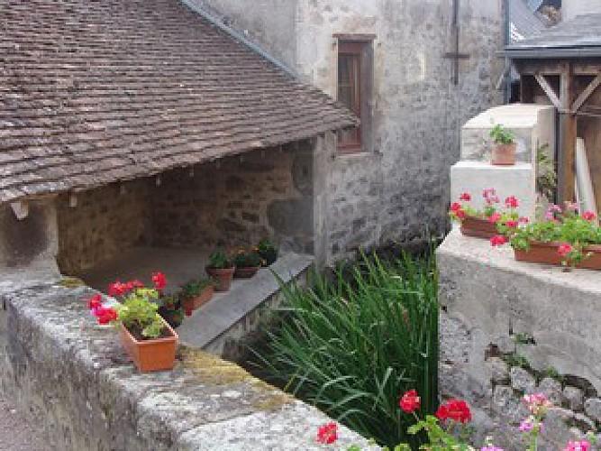 Balade historique à travers un labyrinthe de granit...à Lormes