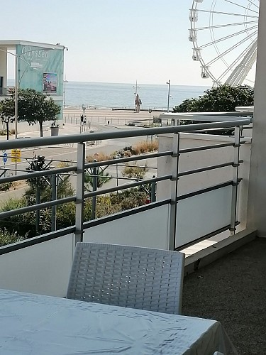 APPARTEMENT VUE MER LATERALE
