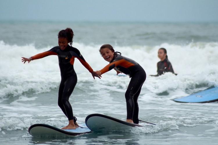 VEILLON SURF SCHOOLS