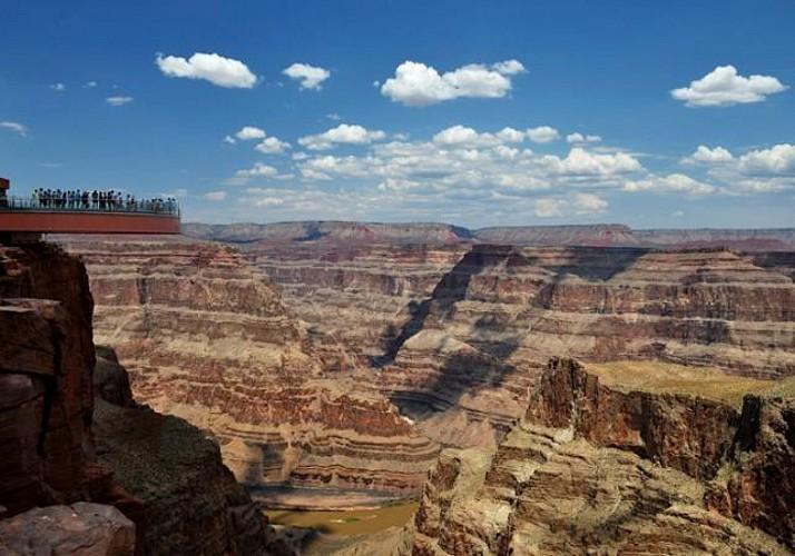 Grand Canyon Ultimate Tour – Survols en avion et hélicoptère, balade en bateau et accès au Skywalk – Au départ de Phoenix
