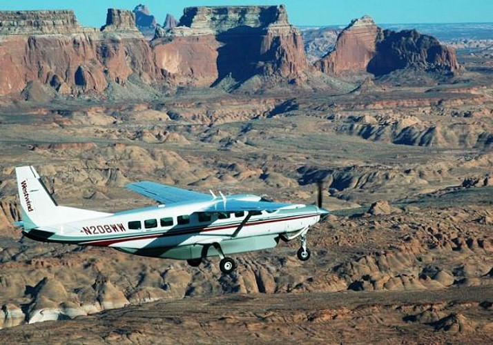 Aeroplane Flight over the Grand Canyon and Guided Tour of the South Rim by 4x4 – Departing from Phoenix