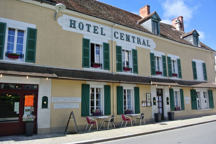 Le Central Hotel Restaurant