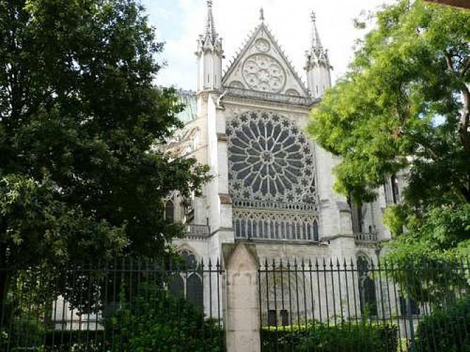De la Basilique au cimetière de Saint-Denis