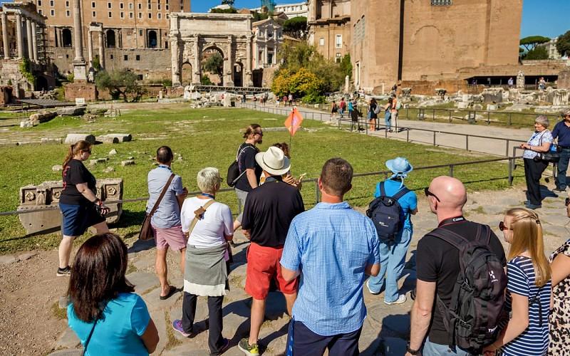 Colosseum Underground Tour with Arena Floor & Roman Forum