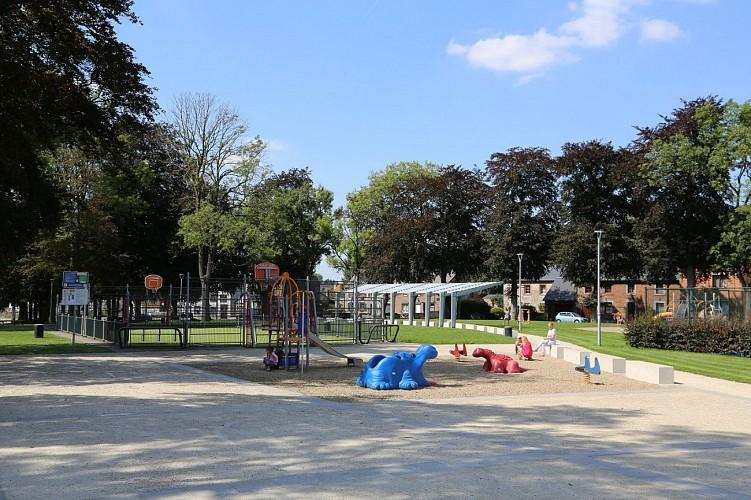 Place Félix Moinil