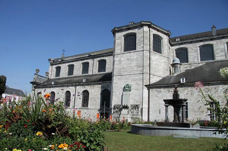 Collegiale kerk Sainte-Begge