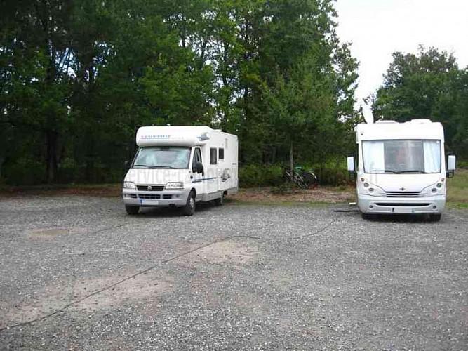 camping-cars-parentis-en-born