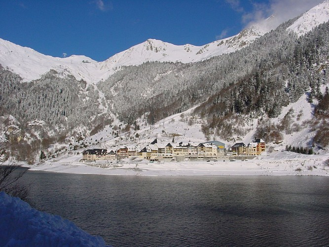 Lac-Fabreges-Village-Hiver