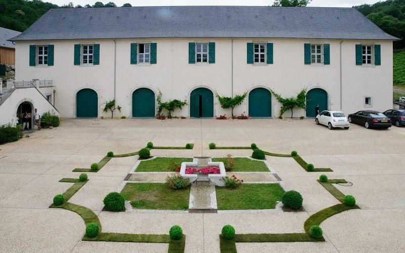 Domaine du Cinquau - Artiguelouve - la cour