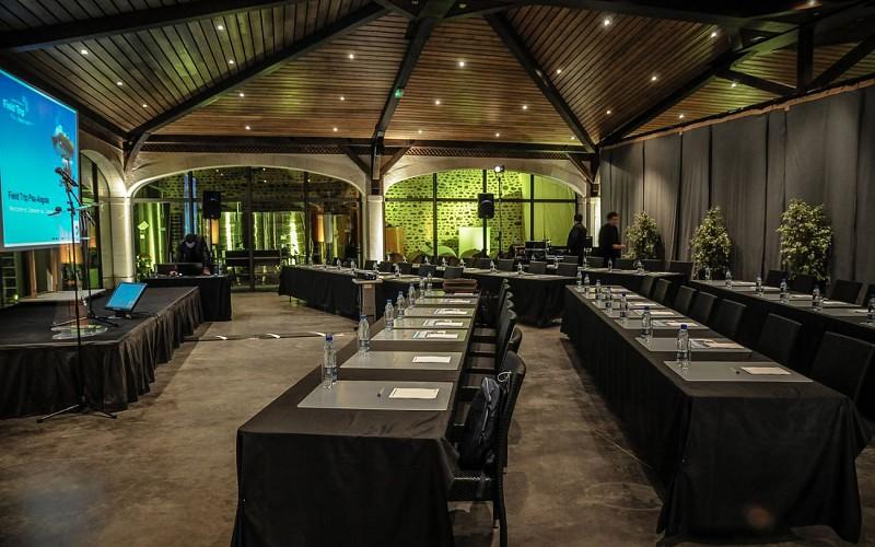 Domaine du Cinquau - Artiguelouve - salle à manger