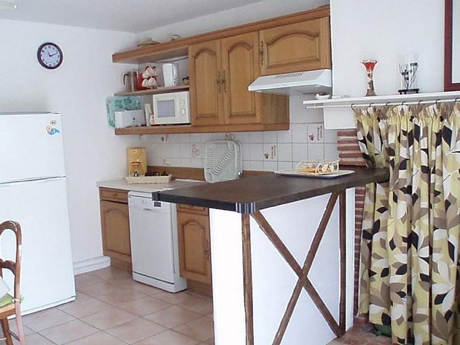 Gîte à Basile 47150 monségur - coin cuisine [800x600]